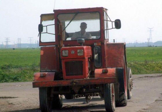 MODIFICARI ! Conducerea tractoarelor pe drumurile publice fără permis va fi pedepsită cu închisoarea