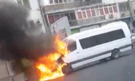 ACUM! Maxi Taxi in flăcări lângă LIDL Prundu