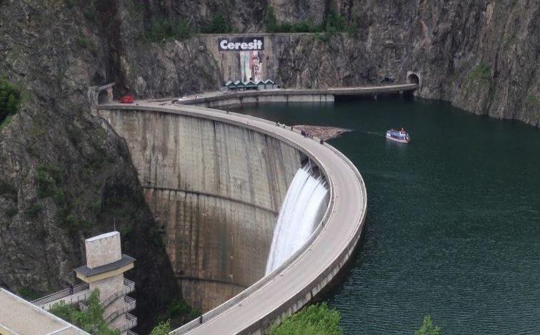 IPOTEZA ŞOC ! Lacul Vidraru preluat de la stat pe model Belina ???
