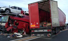 TRAGEDIE IN FRANŢA ! Un şofer de TIR român A MURIT PE LOC într-un accident cu cinci TIR-uri în Franţa