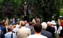 EVENIMENT ! Bustul lui Mihai Eminescu, dezvelit la Curtea de Argeş