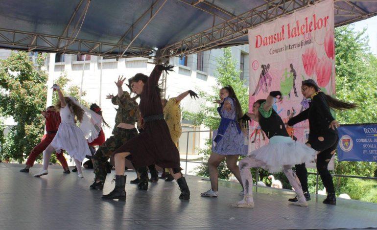 """La Piteşti, începe Festivalului Internațional de dans """"Dansul Lalelelor"""""""