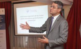 Dezbatere publică la Piteşti cu participarea fostului ministru Dragoş Pîslaru şi a primului argeşean care a urcat pe Everest