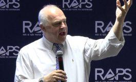 Oportunitate pentru elevii și studenții din Argeș: Profesorul Steve Jarding (Universitatea Harvard) vine în România