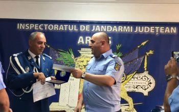 Moment emoţionant la Jandarmeria Argeş: Locotenent – colonelul Mihai Daniel s-a pensionat !
