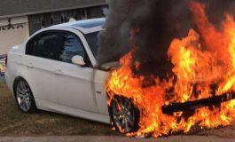 ACUM ! Maşină în flăcări la Curtea de Argeş