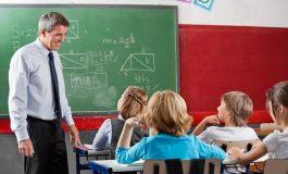Directorii şcolilor nu vor mai preda la clasă! E criză de cadre didactice