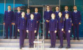 SUCCES ! 13 proaspeţi absolvenţi își încep astăzi cariera de polițist in Argeş