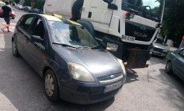 VIDEO ACUM! Accident Curtea de Arges cu maşina primăriei - Primarul PIC in rol de poliţist !