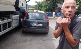 Politia a decis ! Ce a păţit taximetristul acroşat de camionul primăriei