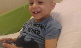 """Drama unui băieţel de 3 ani diagnosticat cu cancer. Un SMS de 2 Euro la 8832 cu textul """"Bogdan"""" îl ajută în lupta cu cancerul!"""