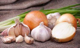 Prietenii inimii: De ce este important să mâncăm ceapă, usturoi şi praz
