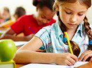 Consiliul Concurenței investighează posibila trucare a unor licitații pentru programele școlare Cornul şi Laptele