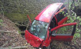 ACUM! A cazut cu mașina în prapastie lângă Valea cu Pești
