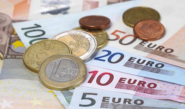 Realitatea cruntă din economie: Majorările salariale, ANULATE de inflaţia record