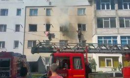 ACUM! Apartament in flăcări, 20 persoane evacuate- Pompierii in alerta maxima