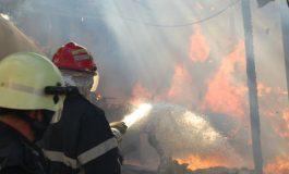 Incendiu PUTERNIC la o groapă de gunoi: Este afectată o suprafață de peste 3.000 de metri pătrați