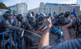 ULTIMA ORA ! Plângere penală pe numele șefului Jandarmeriei și al ministrului Carmen Dan după bătăile de ieri din Piața Victoriei
