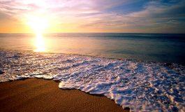 Trupul unei femei în vârstă, adus de valuri pe o plajă din Mangalia. Numărul celor înecați anul acesta pe litoral a ajuns la 12