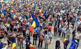 ARGEŞUL S-A TREZIT ! 8000 argeşeni merg mâine la marele miting ANTI PSD din Bucureşti
