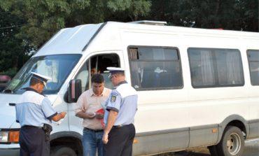 Bărbat din Curtea de Argeş, sancționat contravențional pentru transport ilicit de persoane