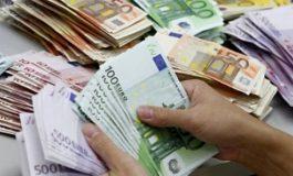 SITUATIE INCREDIBILA LA CURTEA DE ARGES !  O femeie spune ca a gasit si a dus la Politie 13.000 euro, oamenii legii spun ca nu este adevarat