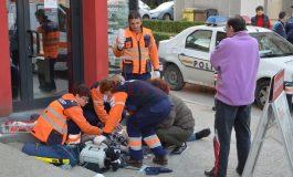 ACUM ! Bărbat căzut în strada, în stop cardio-respirator