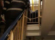 ACUM! Un bărbat căzut pe casa scării - INTERVINE SMURD