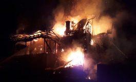 VIDEO ACUM! PRĂPĂD la Valea lui Enache ! Incendiu de proportii, pompierii fara apa !