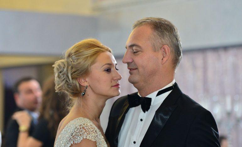 L-aţi mai văzut prin Argeş ? Mircea Drăghici, bolizi de lux și contracte pentru soție din bani publici primiți de partid