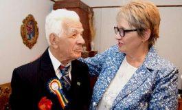 VIDEO INTERVIU ! Centenar emoţionant în Argeş: Azi, Paraschiv Simăn împlineşte 100 ani !