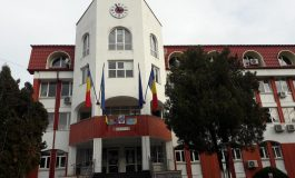 Primăria Curtea de Argeş în ilegalitate şi fum cât cuprinde