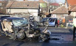 ACCIDENT GRAV MALURENI ! Impact mortal intre un BMW si un Matiz - un mort si trei raniţi
