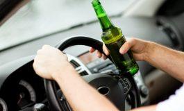 Tineri din Curtea de Argeş şi Corbeni prinşi la volan fără permis și sub influența alcoolului