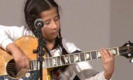VIDEO Festivalul Trivale Folk Fest: O fetiţă de 9 ani din Curtea de Argeş l-a impresionat pe Florin Chilian  VEZI GESTUL VEDETEI