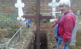 BANUL DECIDE ! Joburi de groază: Românii acceptă să manipuleze cadavre, să fie gropari sau călăi VEZI PE CE SALARII