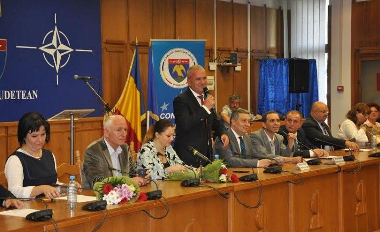 Mâine, şedinţă importantă a CJ Argeş: Se va reglementa licenţierea transportului de persoane, rectificare masivă de buget VEZI ORDINEA DE ZI A SEDINTEI