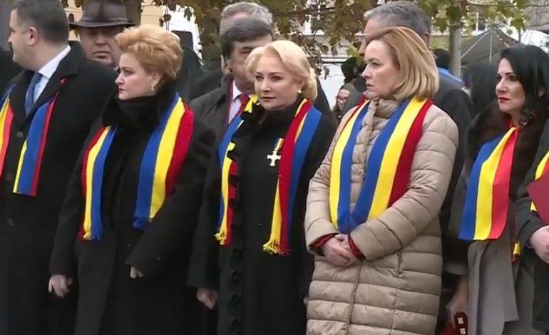 VIDEO ! PROBLEME la Alba Iulia! Premierul Dăncilă și delegația guvernamentală, HUIDUIȚI: 'Nenorociţilor, să vă fie ruşine'