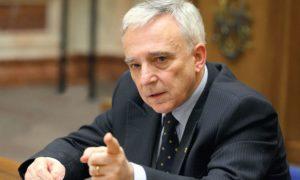 Mugur Isărescu: 'A fost o avalanşă începând cu anul trecut'