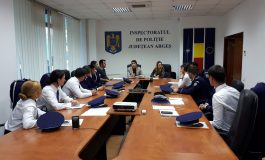 SUCCES ÎN CARIERĂ! 10 tineri au început astăzi cariera de polițist în Argeş