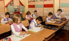 Guvernul a decis iar amânarea acordării celor 500 de euro pentru educație, din lipsă de bani