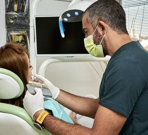 Implantul dentar: când este contraindicat