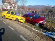 GALERIE FOTO - 2 accidente in 10 minute la Băiculeşti, 4 masini implicate