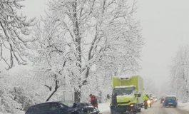 Iarna a dat lovitura in Argeş dar şi... o palmă autorităţilor - Drumuri impracticabile