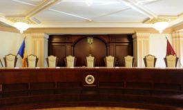 Judecatorii Curtii Constituționale dezbat astăzi sesizarea președintelui Iohannis privind pensia specială a Avocatului Poporului