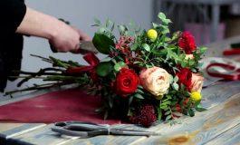Primarul Panţurescu a cumpărat flori şi coroane funerare de 1500 euro ! A plătit primăria pentru parastase