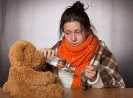 Simptome gripa. Cum faci diferenta intre raceala si gripa
