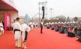 """Tradiţiile şi folclorul argeşean au cucerit China -Ansamblul """"Plai de Dor"""" din Mioveni, reprezentaţii de excepţie la Beijing"""