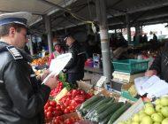 Poliţiştii au dat iama in piaţă ! AMENZI PE BANDĂ RULANTĂ ŞI PENTRU PRODUCĂTORII AGRICOLI