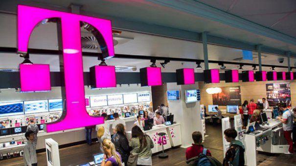 EXCLUSIV O nouă lovitură pentru clienții Telekom! Ce se va întâmpla odată cu majorarea tarifelor pentru serviciile oferite